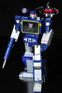 Transformers Masterpiece Soundwave MP-13 with Laserbeak gets US Hasbro Release
