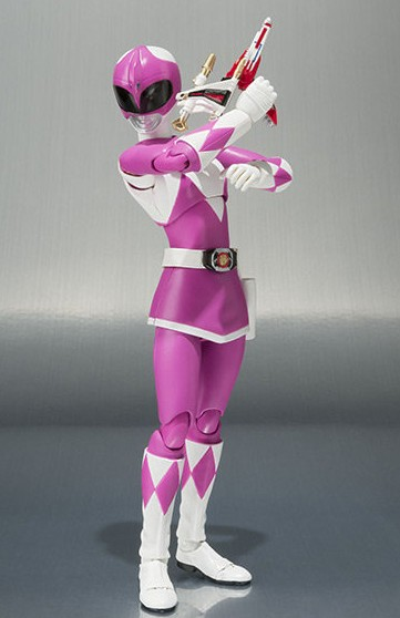 Pink Ranger Figuarts Mighty Morphin Power Rangers Figure with Thunder Slinger