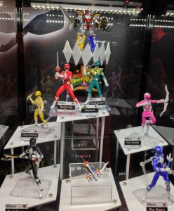 NYCC 2013 S.H. Figuarts Mighty Morphin Power Rangers Full Team Display