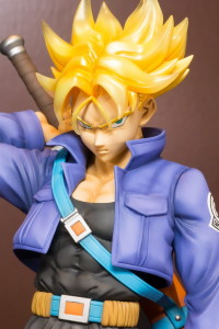 Dragonball Z Super Saiyan Trunks Figuarts Zero EX Statue Close-Up