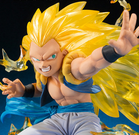Close-Up of Bandai DBZ Figuarts Zero Super Saiyan 3 Gotenks Figure Statue